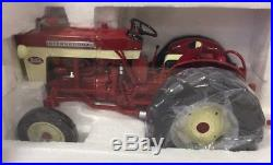 SpecCast IH International Harvester 340 tractor with 251 planter 1/16 NIB