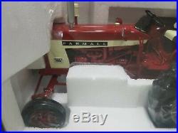 Speccast International Harvester Farmall 504 Gas Tractor 1/16 NIB