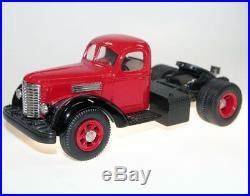 US Model Mint US-19, 1947 International Harvester KB-12 Tractor Unit, red, 1/43