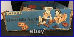 Vintage 1970 Blue box International IH Farm Set # 5007 1/32 scale