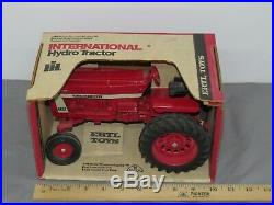 Vintage 1972 International Harvester IH FARMALL 966 Tractor 116 ERTL NIB