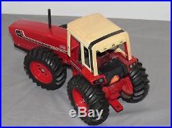 Vintage ERTL International Harvester 3588 Diecast 2+2 Toy Tractor 116 IH