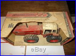 Vintage ERTL International Harvester 3588 Diecast 2+2 Toy Tractor 116 IH NIB
