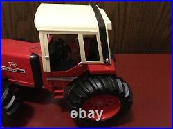 Vintage Ertl international Harvester 1/16 3588 2+2 Tractor In Exc. Cond. 14