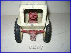 Vintage Farmall 560 Tractor With Cab 1/16 Nf Ih Ertl International
