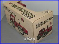 Vintage International Harvester 7488 IH 2+2 4WD Tractor NIB 116 dirty box Ertl