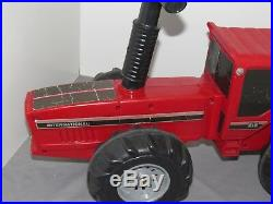 Vintage International Harvester IH 2+2 Ride On Toy Tractor Pedal very Rare! 4WD
