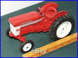 Vintage International Harvester IH 340 UTILITY Tractor with Fast Hitch Ertl 1958