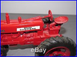 Vintage International Harvester IH Farmall Tractor 450 Ertl 1/16 Toy 1957