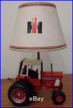 Vintage International Harvester Tractor Table Lamp, Farm Lamp, IH 1586 Tractor