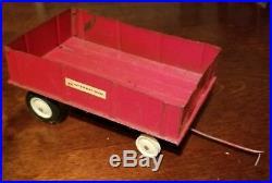 Vintage diecast international harvester tractor and trailer lot. Nice
